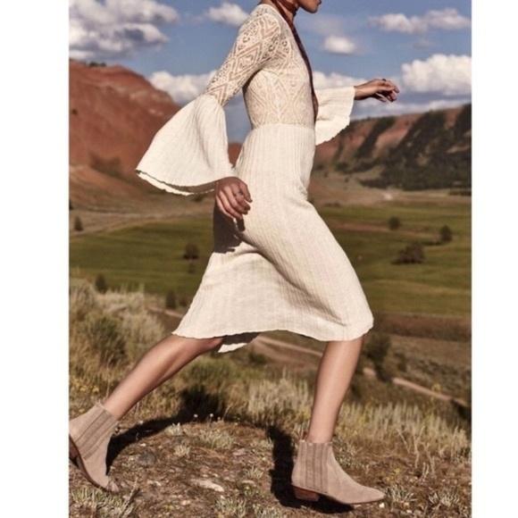 Anthropologie Dresses & Skirts - Anthro Floreat Serena Bell Sleeve Dress